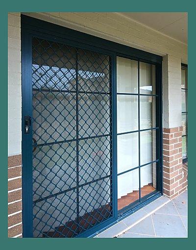 Aluminium security sliding door