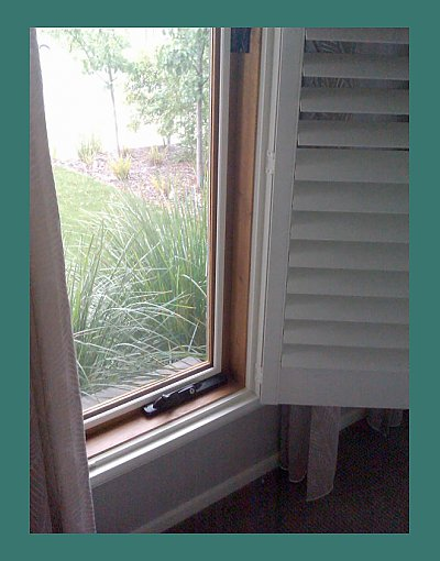 Window flyscreen with winder